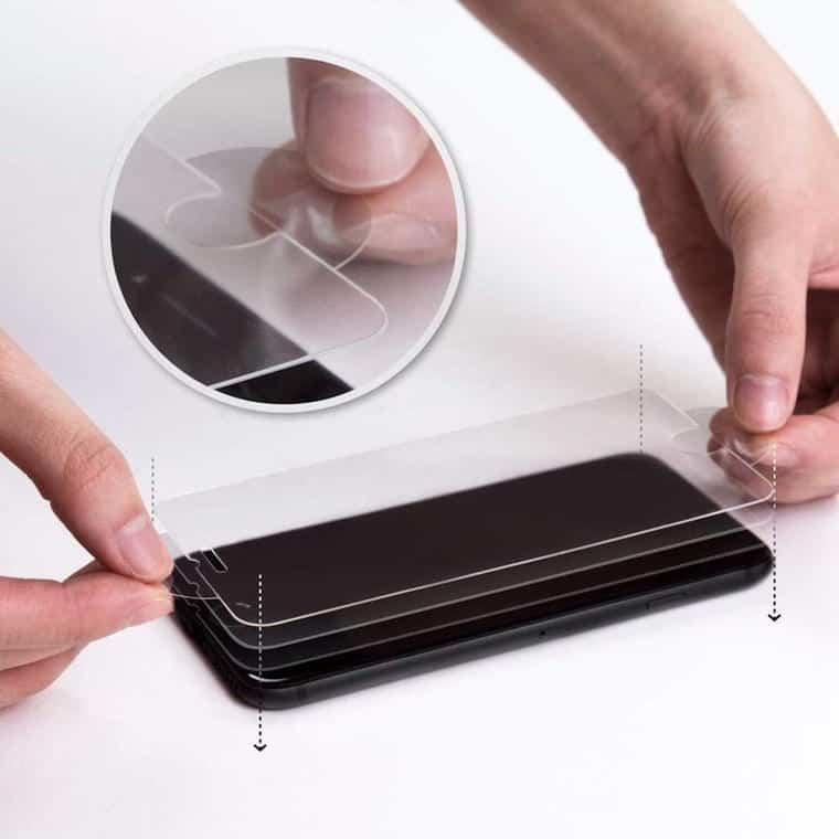 Spigen 強化ガラス液晶保護フィルム
