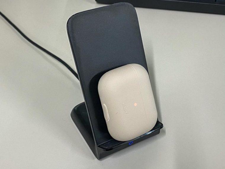 ESR AirPods Pro 充電ケースカバー